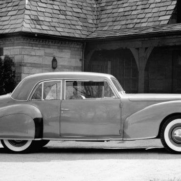20-1940-lincoln-continental-model-shown-photo-608792-s-original