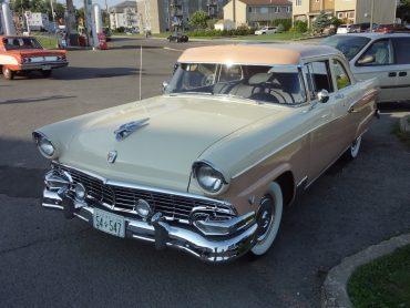 Gustave Grondin, St-Gilles, Ford Customline 1956