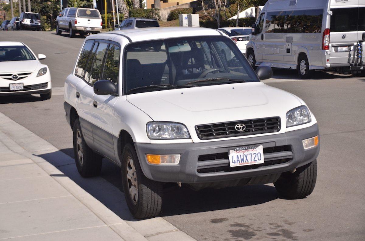 toyota rav4 premi re g n ration 1994 2000 en direct de carlsbad californie voitures. Black Bedroom Furniture Sets. Home Design Ideas
