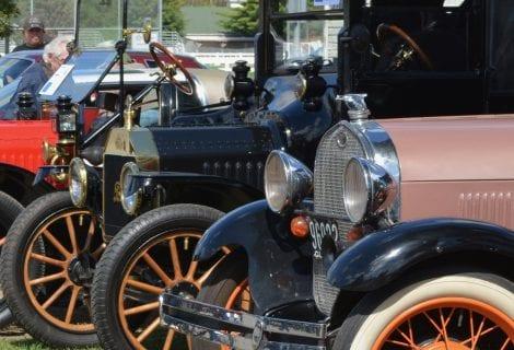 exposition de voitures anciennes de blainville - voitures anciennes